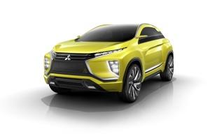 Mitsubishi eX Concept  W modelu tym zastosowano technologię automatycznej jazdy, która łączy systemy łączności mobilnej w samochodzie z zaawansowanymi rozwiązaniami w zakresie aktywnego bezpieczeństwa. Wszystko to gwarantuje możliwość pracy w trybie częściowo autonomicznym na drogach ekspresowych, jak również pozwala zaparkować auto w sposób automatyczny.  Fot. Mitsubishi