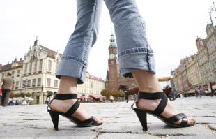 Kierowca w niewłaściwych butach? Mandat nawet 200 euro