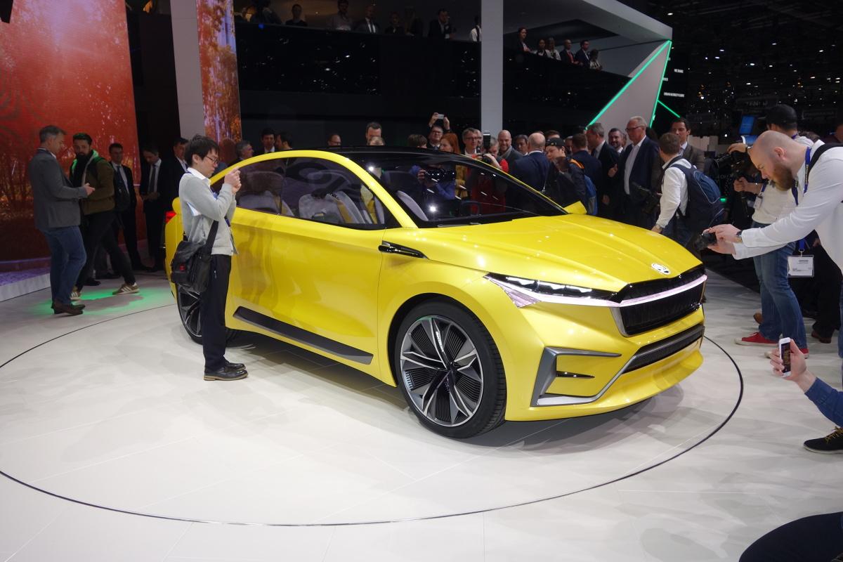 Skoda Vision IV   Dniem prasowym rozpoczyna się dziś salon samochodowy w Genewie. Z oficjalnych komunikatów organizatorów salonu wynika, że można się spodziewać 50 premierowych aut.  Fot. Ryszard M. Perczak