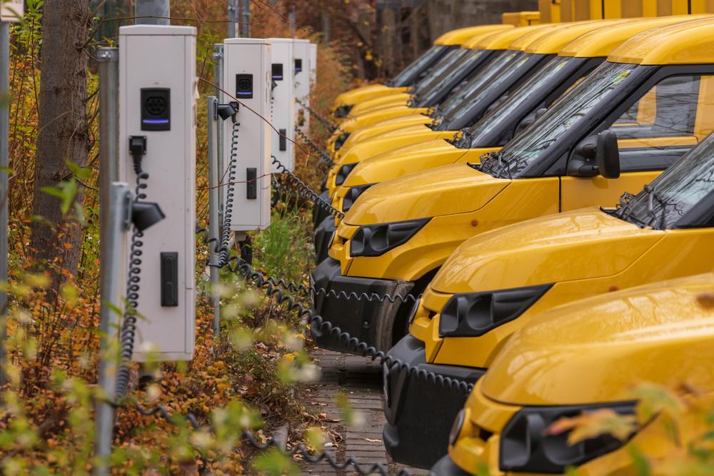 Elektryczne pojazdy dostawcze zyskują na popularności. Jak przygotować flotę do zmian?