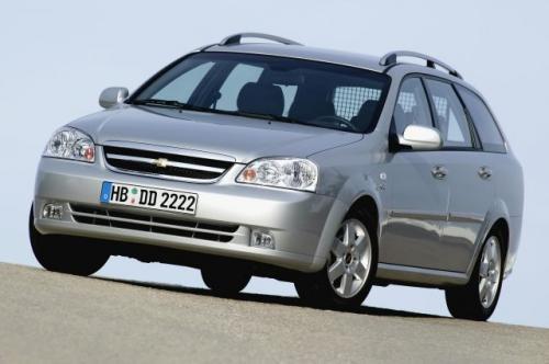 Fot. Chevrolet: Chevrolet Laceeti kombi to spore auto – jest dłuższe niż Focus – ale ma mniejszy bagażnik o pojemności 400 l.