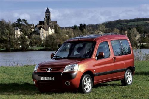 Fot. Peugeot: Peugeot Partner to prekursor segmentu kombivanów cieszący się dużym powodzeniem na rynku.