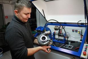 Jak jeździć samochodem z turbosprężarką?
