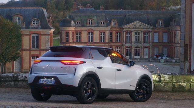 Nowa hybryda i elektryk od DS udowadniają, że należą do aut premium, ale czy zawojują ten segment?  Fot. Konrad Grobel