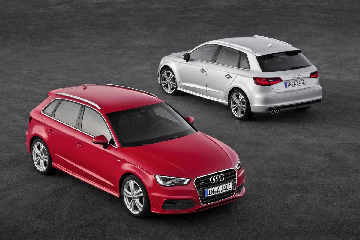 Audi A3 to bardzo popularny model na naszym rynku. Dla wielu to ciekawsza alternatywa dla Golfa, gwarantująca nieco więcej prestiżu w podobnej cenie, o ile wybierzemy starszy model. Jeśli ktoś nie chce (lub nie może) wydać ponad 100 000 złotych na bazowy model z salonu obecnej generacji, w o wiele niższej cenie dostanie świetnie wyposażonego poprzednika. Poznajmy bliżej Audi A3 trzeciej generacji, oznaczonej kodem 8V. Fot. Audi