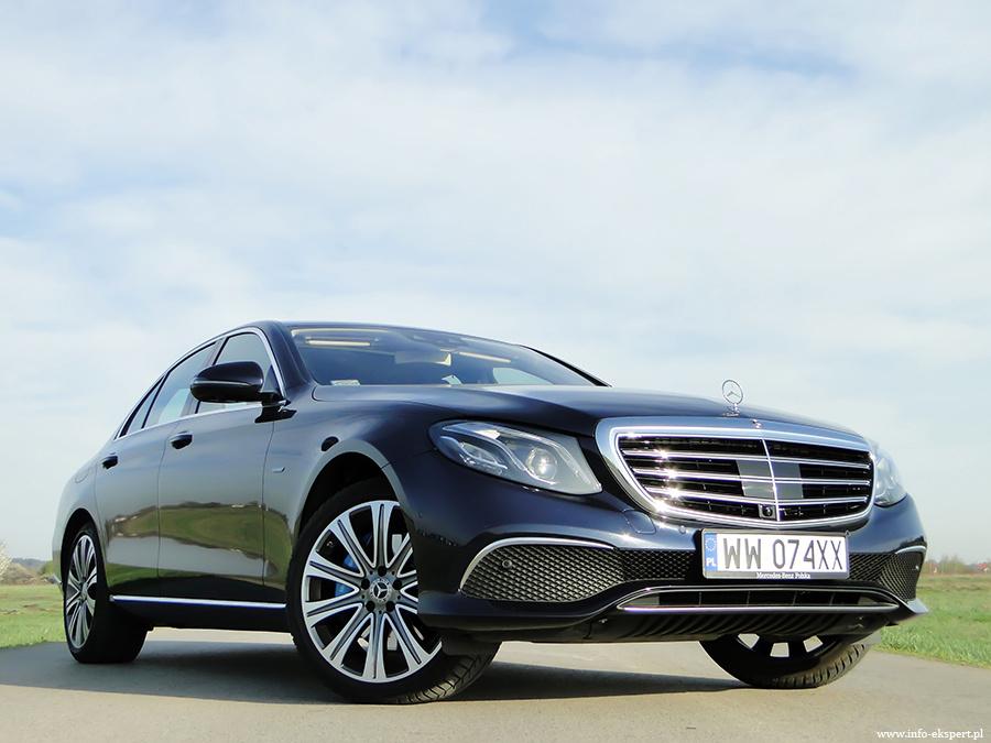 Mercedes-Benz E 350e plug-in  Ceny nowej klasy E zaczynają się od 187 100 zł. Wariant hybrydowy to wydatek minimum 250 400 zł. Bezpośrednimi konkurentami Mercedesa są takie modele jak Audi A6, BMW serii 5, Jaguar XF, Lexus GS czy Volvo S90  Fot. Dariusz Wołoszka – Info-Ekspert