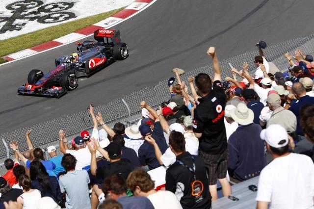 GP Kanady: Button objechał Vettela - szalony wyścig w deszczu