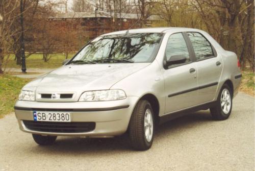 Fot. Zdzisław Podbielski: Fiat Albea, w porównaniu do Sieny, ma nowocześniejsze nadwozie.