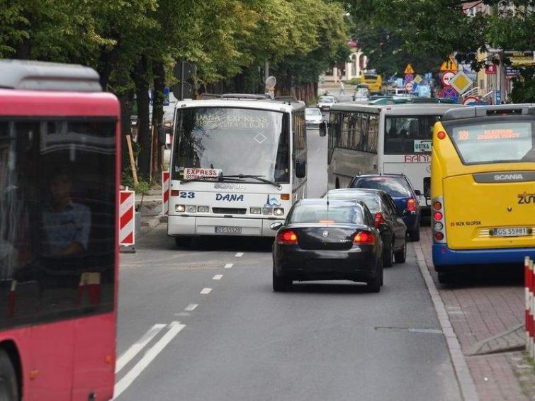 Bardzo ciasno na ulicy Wojska Polskiego w Słupsku