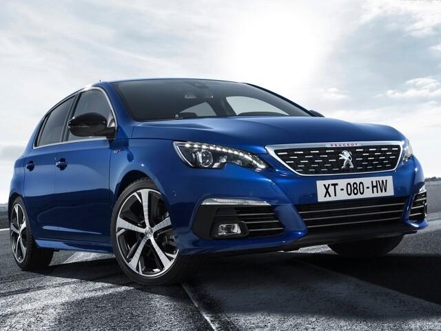 Są na rynku auta, które starzeją się w bardzo łagodny sposób i nadal oferują ciekawy design. Mimo to przyszedł już na nie czas i są zastępowane nową generacją. To świetna okazja, aby zakupić samochód z rynku wtórnego, który nie będzie już obecnie oferowaną generacją, więc cena spadnie, ale z drugiej strony nadal będzie świeży i atrakcyjny. Idealnym przykładem jest Peugeot 308 drugiej generacji, który właśnie schodzi z rynku. Czy warto się nim zainteresować? Fot. Peugeot