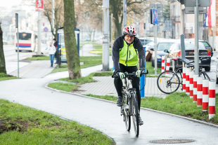 Koronawirus w Polsce a jazda rowerem. Czy można jeździć rowerem po ulicy? Po lesie?