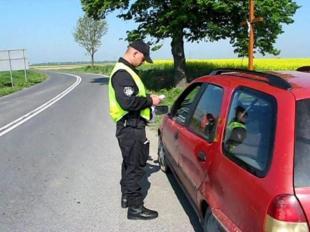 Kontrole drogowe. Nie tylko policjant może zatrzymać kierowcę