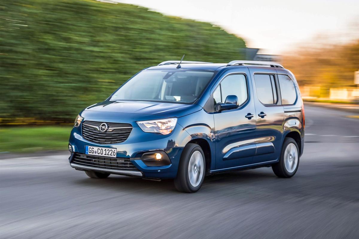 Opel Combo Life   Silnik 1.2 Direct Injection Turbo o mocy 130 KM spełnia wymagania normy emisji Euro 6d i dołącza do dotychczasowej gamy benzynowych i wysokoprężnych jednostek napędowych.  Fot. Opel