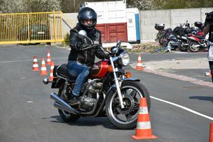 Motocykliści. Jak zadbać o bezpieczeństwo?