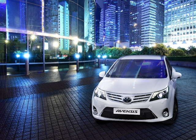 Toyota Avensis Emotion, Fot: Toyota