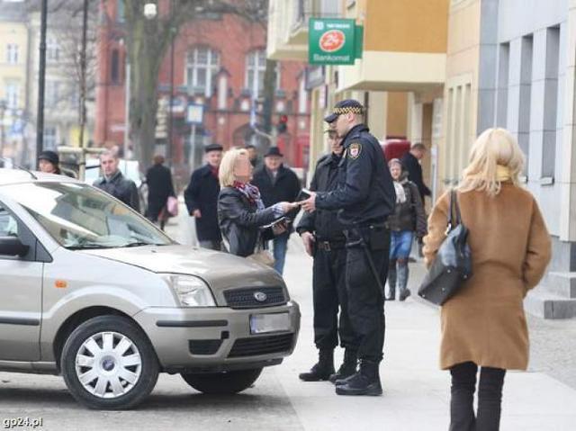 Parkowanie na ul. Starzyńskiego w Słupsku tylko dla dostawców