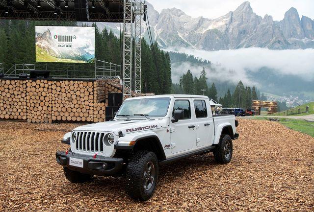 Jeep Gldadiator   Nowy 3-litrowy silnik EcoDiesel V6 będzie jedyną opcją silnikową oferowaną w Europie. Będzie rozwijał moc 260 KM oraz moment obrotowy równy 600 Nm.  Fot. Jeep