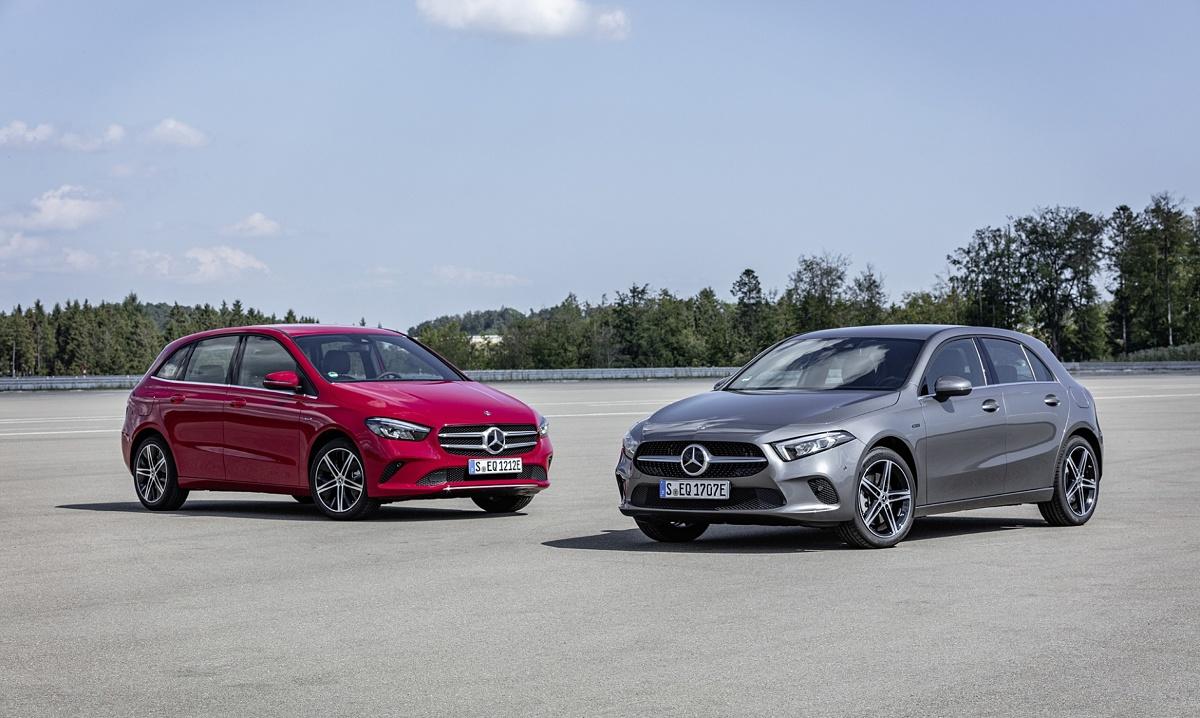 Z prawej - Mercedes A EQ Power, z lewej - Mercedes B EQ Power. Fot. Mercedes-Benz