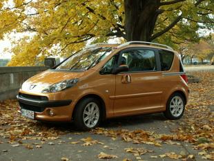 Używany Peugeot 1007 (2004-2009). Silniki, wady, zalety, ceny