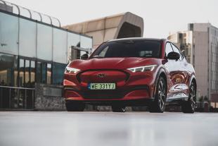 Ford Mustang Mach-E. Mustang na prąd już w Polsce. Jakie wersje do wyboru?