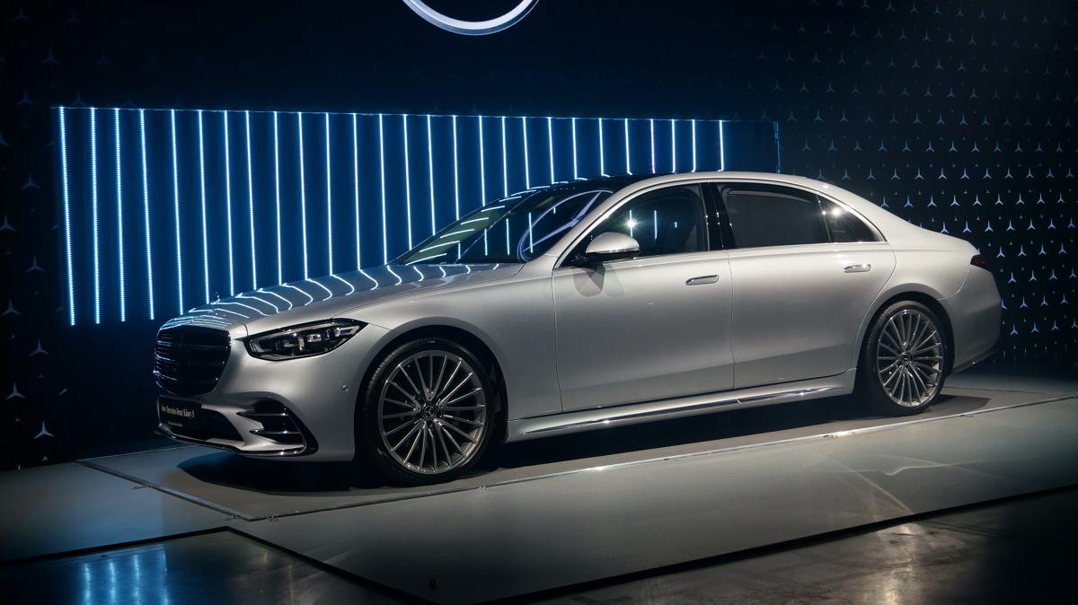Już dwa tygodnie po światowej premierze nowej klasy S odbyła się polska prezentacja tego modelu. Mercedes tworząc najlepszą swoją limuzynę ponownie podszedł do niej indywidualnie, tak by najlepsze jej komponenty w przyszłości znalazły się w innych klasach tej marki.   Fot. Konrad Grobel