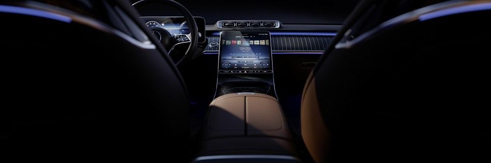 We wnętrzu nowej Klasy S nowoczesny luksus wznosi się na kolejny poziom. Jej projektanci zadbali o przyjemną atmosferę w stylu komfortowego salonu, charakteryzującą się elegancją, wysoką jakością i dobrym doświetleniem.  Fot. Mercedes