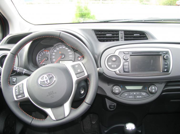 ABS, ESP, TDI, DSG i inne - co oznaczają skróty motoryzacyjne
