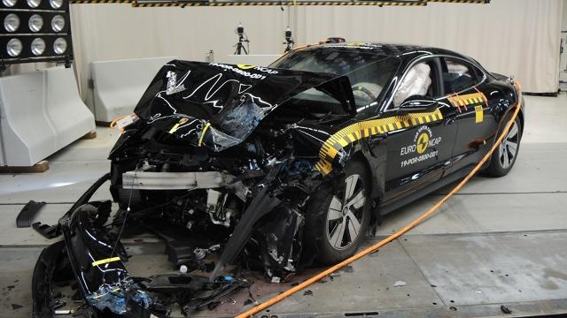 Euro NCAP opublikowała właśnie nowe wyniki testów zderzeniowych. Testom poddano głównie nowe modele, ale znalazły się także auta obecne od dawna na rynku.  Fot. Euro NCAP
