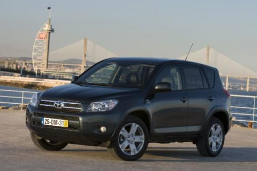 toyota rav4. Black Bedroom Furniture Sets. Home Design Ideas