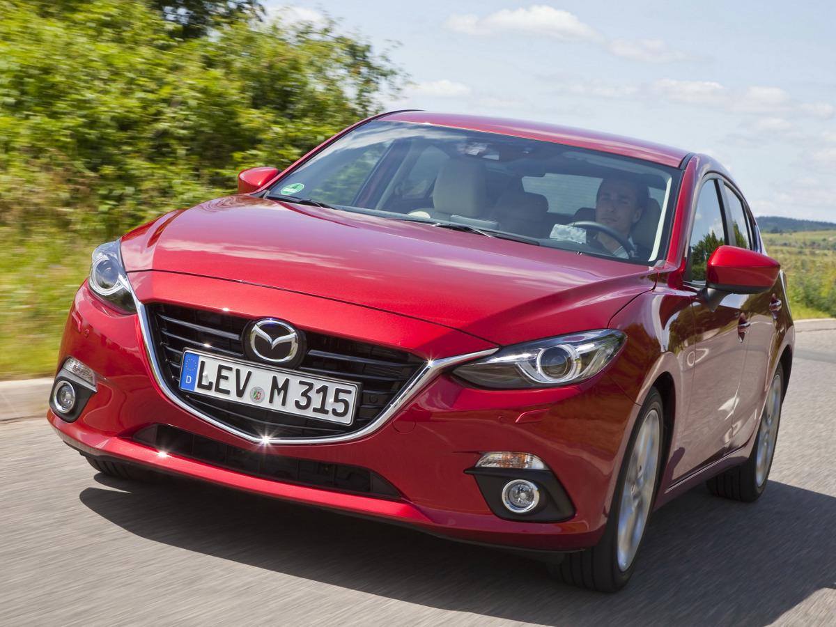 Motor 1.5 Skyactiv-D dostarcza 105 KM, a jednostka może zostać połączona z 6-biegową manualną lub 5-biegową automatyczną skrzynią biegów / Fot. Mazda