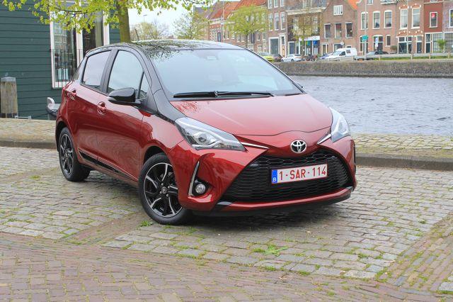 Test Toyota Yaris  1.5 Dual VVT-iE  Toyota po raz drugi odświeżyła III generację Yarisa. Poza zmianami w stylistyce każdy egzemplarz wyposażony jest teraz seryjnie w systemy wspomagające kierowcę, a w gamie silnikowej pojawił się nowy benzynowy motor 1.5 Dual VVT-iE.  fot. Karol Biela