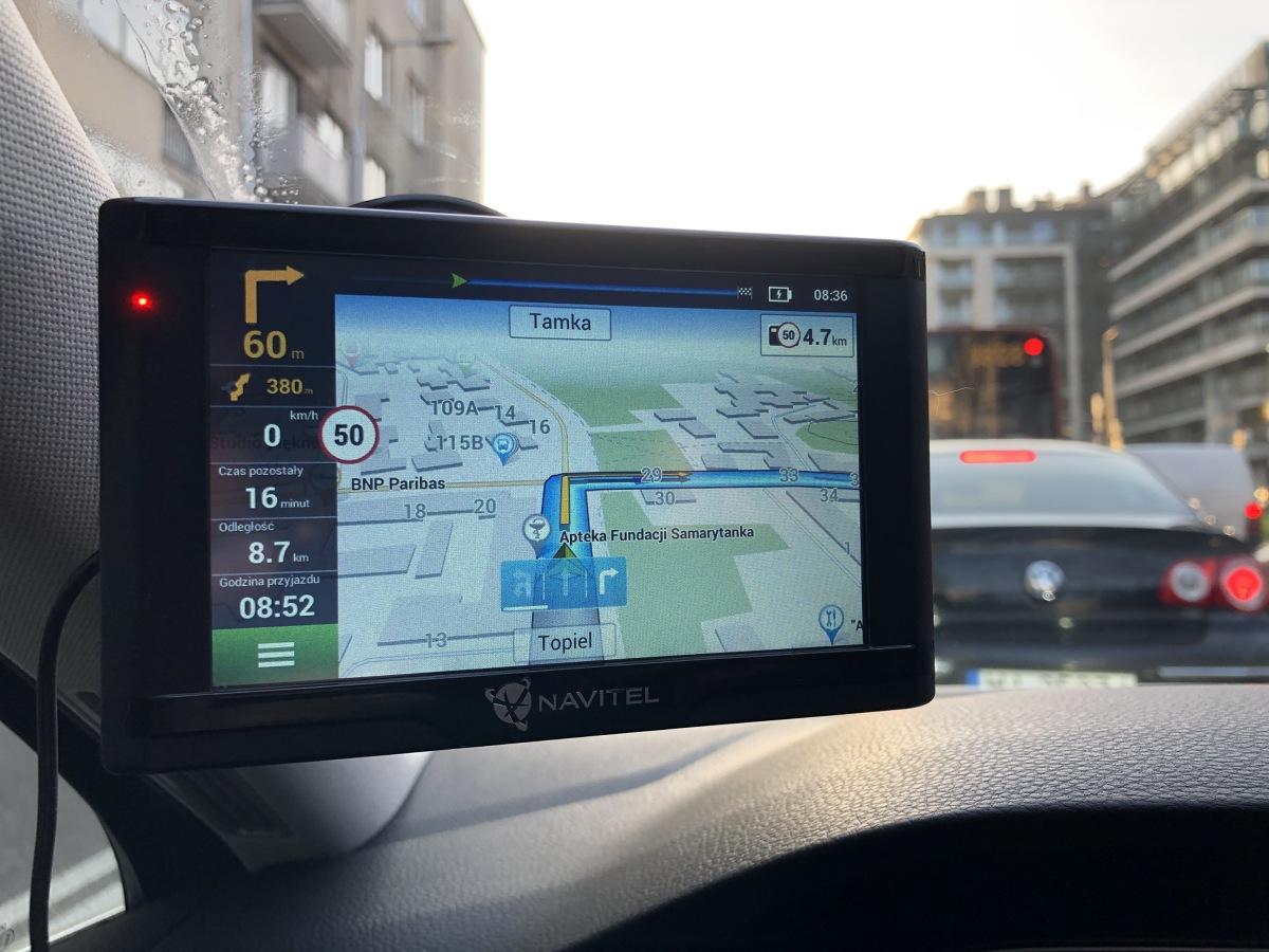 Czy w dobie smartfonów kupowanie oddzielnej nawigacji ma jeszcze sens? To bardziej filozoficzne pytanie, bo zwolennicy każdej z opcji mają swoje solidne argumenty.  Fot. Mark Snow