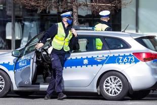 Lockdown do 25 kwietnia. Jakie zasady dotyczą kierowców?