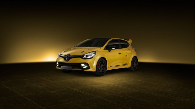 Renault Clio R.S. 16  Pod maską auta pracuje silnik pochodzący z modelu Megane RS 275 Trophy. Tak jak wskazuje nazwa, silnik dostarcza 275 KM mocy, a producent zapewnia, że jest to najszybszy model z homologacją drogową w historii francuskiej marki.  Fot. Renault