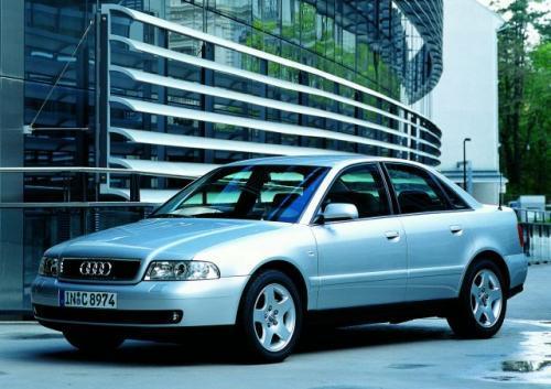 Fot. Audi: Audi A4 cieszy się szacunkiem wśród kupujących. Na zdjęciu model z 1998 r.