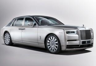 Nowy Rolls-Royce. Dywaniki z wełny i 563 KM pod maską