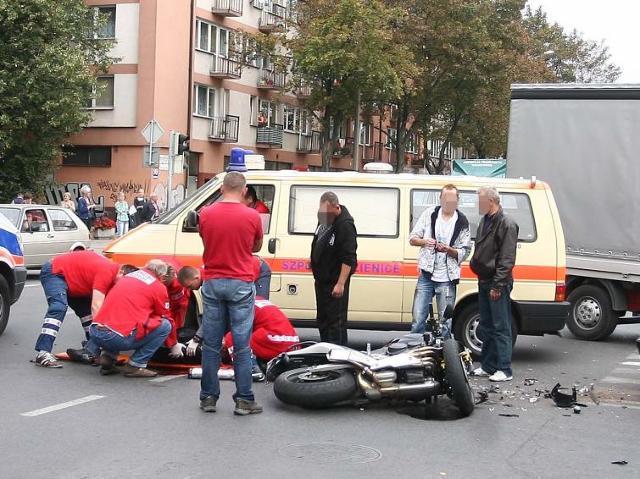 Pierwsza pomoc w razie wypadku - jak jej udzielać. Poradnik