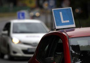 """Prawo jazdy. Program """"50+ na drodze"""" (video)"""