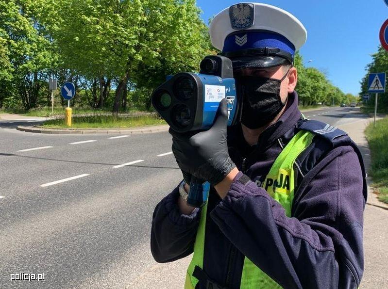 W dniach 16-22 września 2021 r., w czasie trwania Europejskiego Tygodnia Mobilności, prowadzona jest akcja pod nazwą ROADPOL Safety Days (Dni Bezpieczeństwa Ruchu Drogowego). Działania te koordynowane są przez Europejską Organizację Policji Ruchu Drogowego ROADPOL oraz popierane m.in. przez Komisję Europejską i Europejską Radę Bezpieczeństwa Ruchu Drogowego (ETSC). Fot. Policja