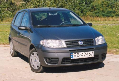 Fot. Zdzisław Podbielski: Fiat Punto to udany samochód. Ma bardziej przestronne wnętrze niż Opel Corsa.