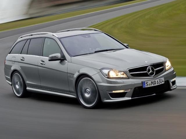 Mercedes C 63 AMG - 450 koni za 70 tys. euro
