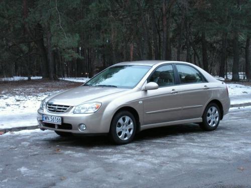 Fot. Ryszard Polit: Kia Cerato z nadwoziem typu sedan ma zbliżone wymiary zewnętrzne do Chevroleta Lacetti.