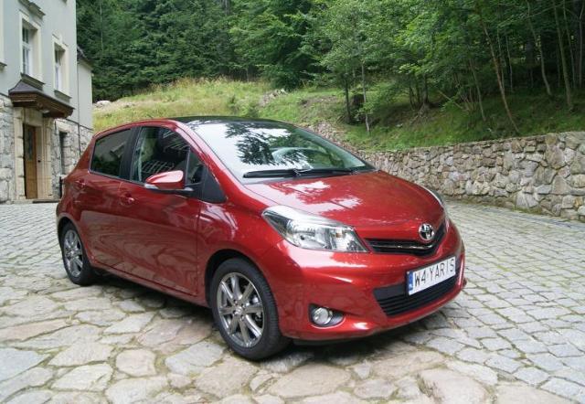 Pierwsza jazda: nowa Toyota Yaris - praktyczna, ale dość droga