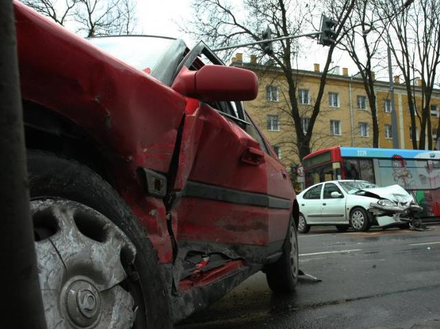 Naprawa auta z ubezpieczenia – gotówkowo czy bezgotówkowo?   fot. Maciej Kaczanowski