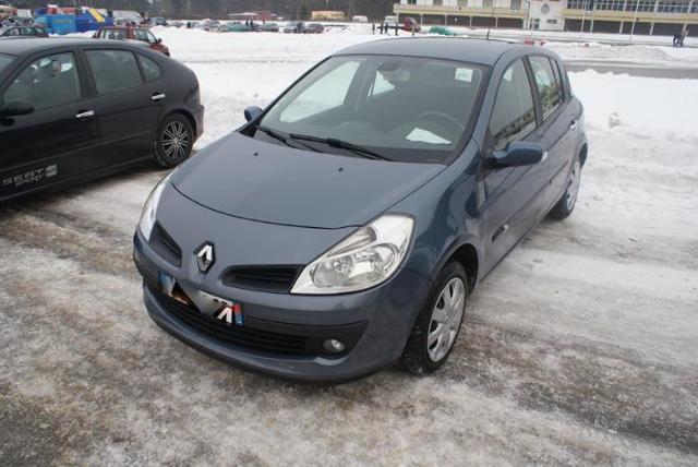 Giełdy samochodowe w Kielcach i Sandomierzu (19.02) - ceny i zdjęcia