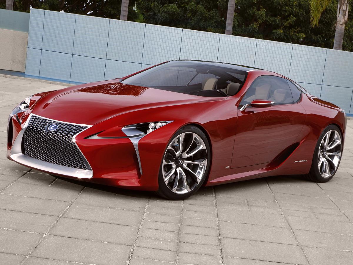 Rok 2012 przyniósł premierę koncepcyjnego coupe LF-LC (Lexus Future Luxury Coupe). Lekkie nadwozie, w konstrukcji którego zastosowano węglowe kompozyty i stopy aluminium, wyposażono w hybrydową jednostkę napędową o łącznej mocy 438 KM / Fot. Lexus