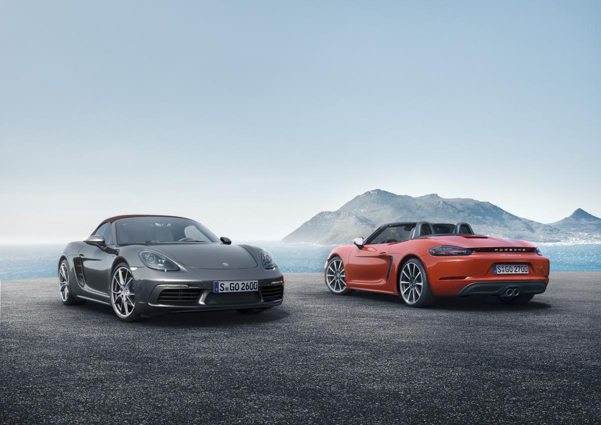 Najnowsze modele 911 R oraz 718 Boxster to polskie premiery  niemieckiej marki podczas największych w Polsce targów motoryzacyjnych. Na gości Poznań Motor Show 2015 czeka łącznie 11 samochodów Porsche oraz kolekcja ekskluzywnych akcesoriów Porsche Driver's Selection / Fot. Porsche