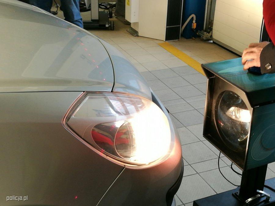 Kierowcy Za Darmo Mogą Wyregulować światła