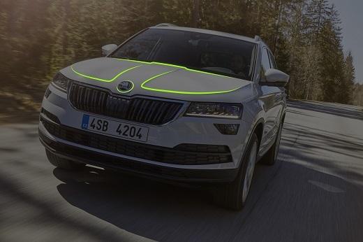 Skoda stawia szczególny nacisk na ponadprzeciętne wymiary kabiny. W SUV-ach Skody fakt ten jest podkreślony przez profil nadwozia: kabina pasażerska została wydłużona kosztem skrócenia maski.  Fot. Skoda