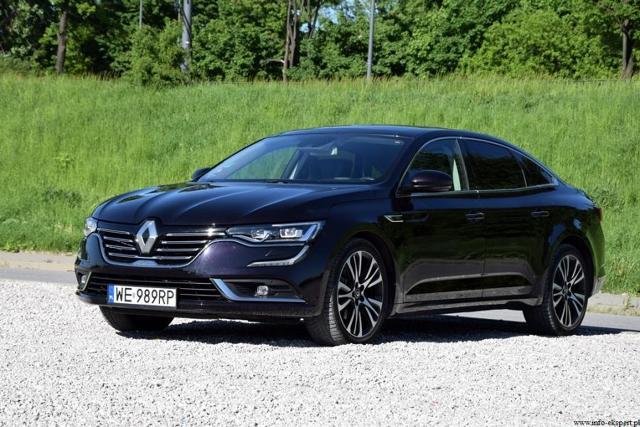 Renault Talisman 1.6 TCe 200 Initiale Paris  Testowane auto otrzymało najmocniejszą jednostkę napędową oferowaną w modelu. Czterocylindrowy, turbodoładowany silnik benzynowy z bezpośrednim wtryskiem paliwa o pojemności skokowej 1618 ccm charakteryzuje się maksymalnym momentem 260 Nm oraz mocą 200 KM. Wysoka kultura pracy, dynamika oraz bardzo szybka reakcja na pedał przyśpieszenia zachęca do szybkiej jazdy.  Fot. Robert Kulczyk / Info-Ekspert (http://www.info-ekspert.pl)